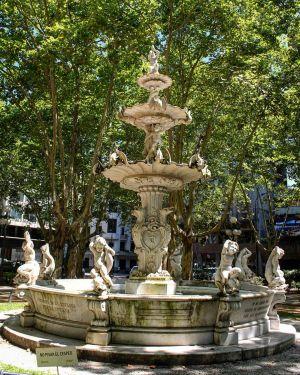 Montevideo - Fontaine Plaza De La Constitucion