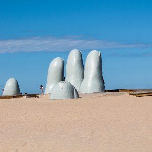 Punta del Este - Statue de los Dedos
